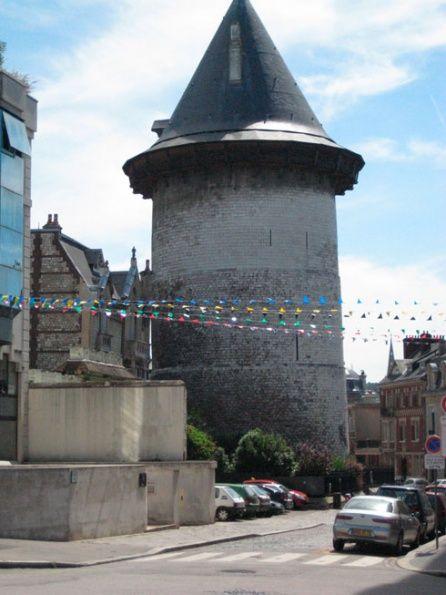 Башня жанны д арк