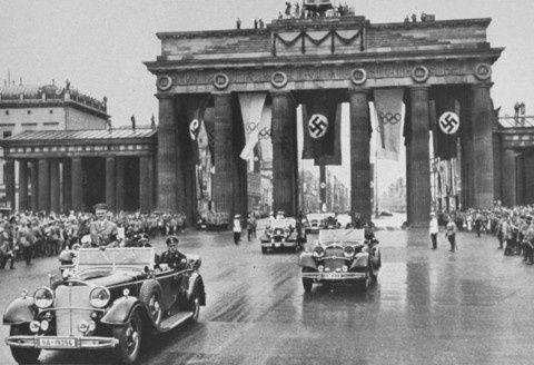 was germany a totalitarian society in the period between 1933 1939 1933-1939: jewish life in nazi germany of the weimar republic into a totalitarian regime within a short period of in the german society before.